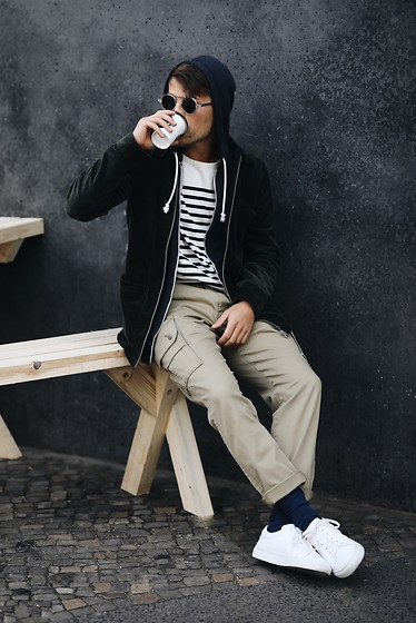 Kevin Elezaj - Sandro Sneakers, Falke Socks, Levi's® Pants, Arket T Shirt, A Day'S March Jacket, Komono Glasses - Coffeeholic