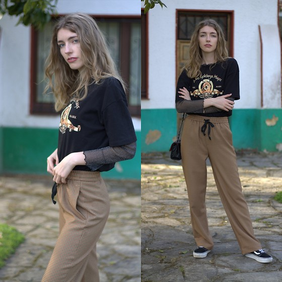 Alba Granda - Zara Black Tee, Zara Brown Pants, Vans Black, Rosewholesale Black Bag - The Big Lion