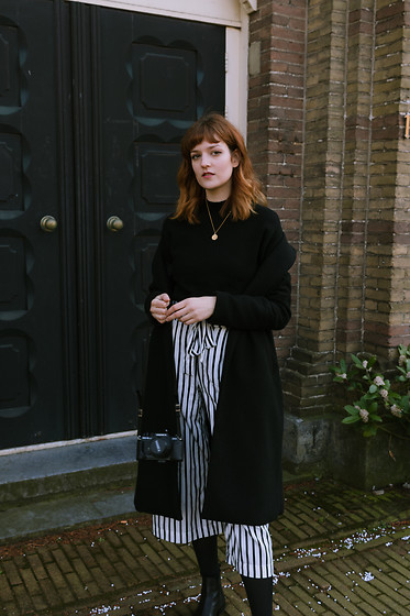 Tea M - Zara Striped Cullotes, Bershka Black Coat, Mango Black Jumper, Asos Leather Boots - B&w
