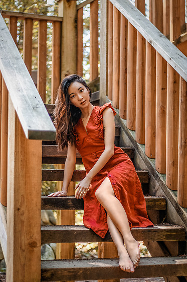 Gabby Chia - The Latest Scoop Frill Red Linen Dress - Rustic