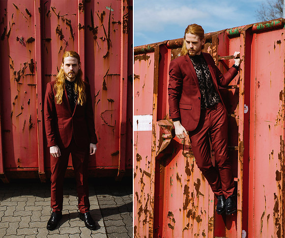Maik - Topman Suit, Asos Shirt, Laszlo Budapest Shoes - Red Suit