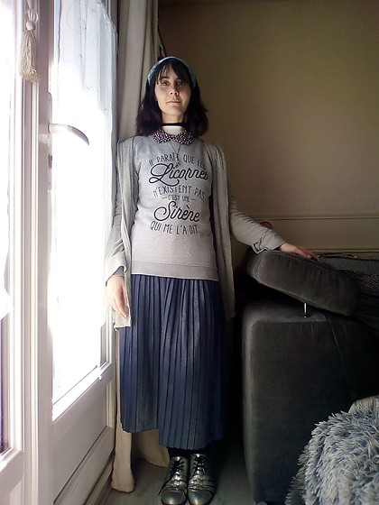 Lulu Longstocking - Second Hand Sweater, Pleat Skirt, Silver Shoes - Mermay