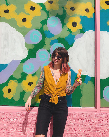 Jessie Bee - Amazon Yellow Button Down Tank, Madewell Layton Sunglasses, Madewell High Rise Denim, Ettika Double Coin Pendant Necklace, Ettika Rectangular Pendant Necklace - Just Add Popsicles