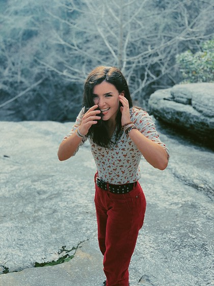Meredith Stockton - Red Jeans, Floral Shirt, Shein Bullet Belt - Day hike