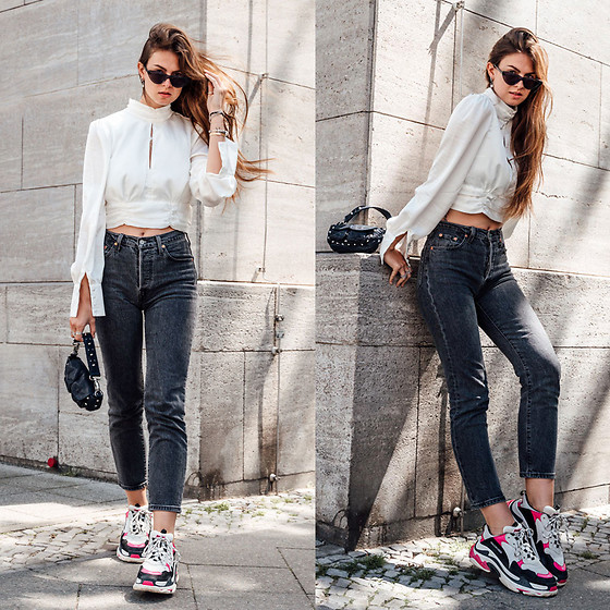 Jacky - Loavies Shirt, Levi's® Jeans, Chimi Eyewear Sunglasses, Unlimit Bag, Balenciaga Sneaker - Styling a satin blouse in a casual way
