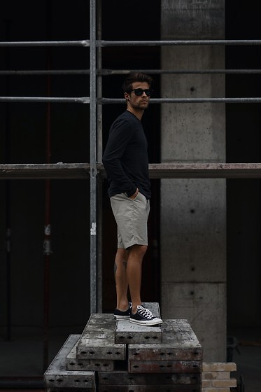 Kevin Elezaj - Converse Sneakers, A.P.C. Shorts, Cos Top, Ray Ban Glasses - June 20