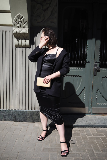 Anna Puzova - Vintage Blazer, Femme Luxe Dress, Reserved Sandals, Parfois Clutch - Black Satin