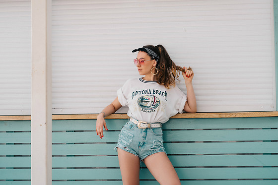 Iwona - Vintage T Shirt, Vintage Denim Shorts - FLORIDA