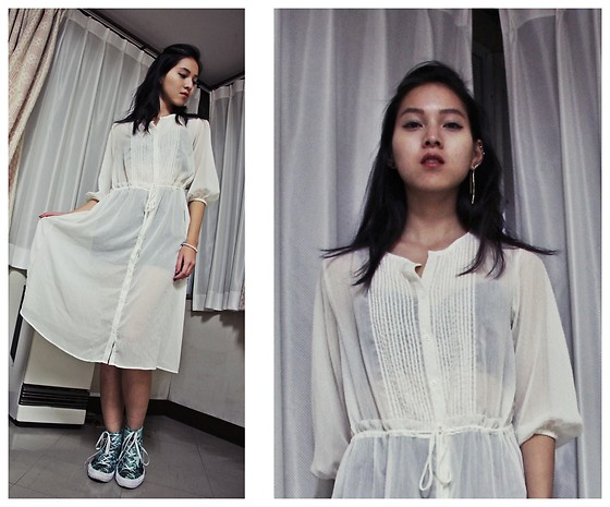 Tram Anh - Uniqlo Translucent Dress, Converse Sneakers - Wabi sabi
