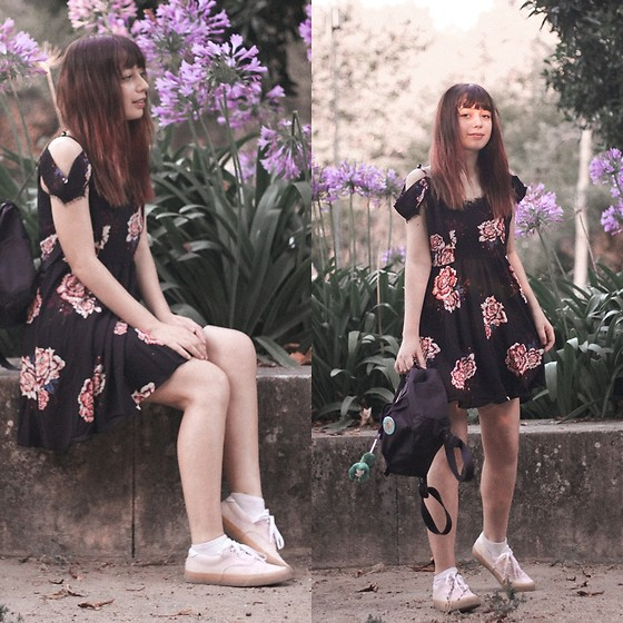 Filipa Lopes - Dresslily Black Floral Dress, Vans Pink Sneackers - It's an outfit