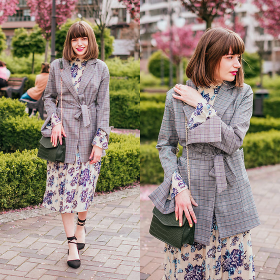 Christina & Karina Vartanovy - Newchic Plaid Suit Blazer, Newchic Floral Print Pleated Dress, Newchic Crocodile Pattern Chain Crossbody Bag, Rosewholesale Lace Up Black Flat Shoes - Christina // Flower Moon
