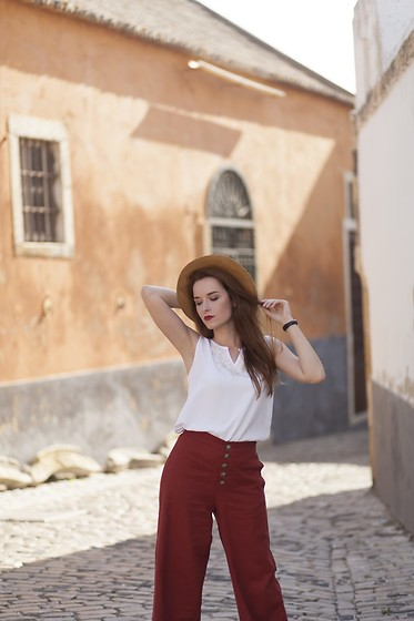 Lina . - Mango Trousers, Second Hand Top - Terracotta
