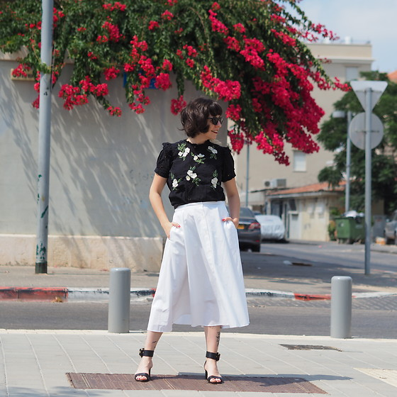 Fashionella ♥ - Uniqlo White Skirt - Black and white summer