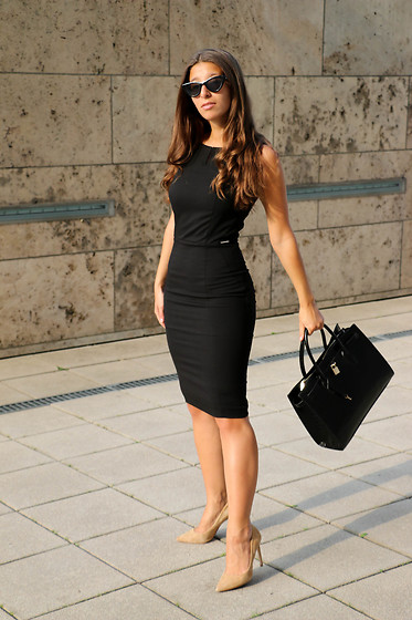 Carmen Schubert - Orsay Black Business Dress, Orsay Croco Handbag, Zara Beige Heels - Business