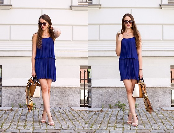 Ewa -  - Blue pleated dress, part 2