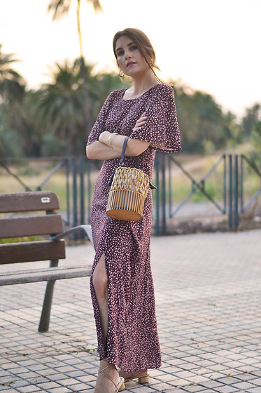 Lara Siles - Pull & Bear Dress - LE ROBE