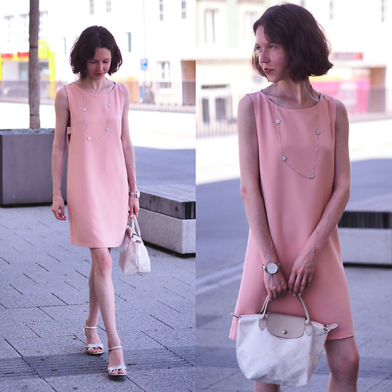 Claire H - Mango Sleek Peach Dress, Longchamp Le Pliage, Mime Et Moi Strappy Heels Silver - Lost in thought