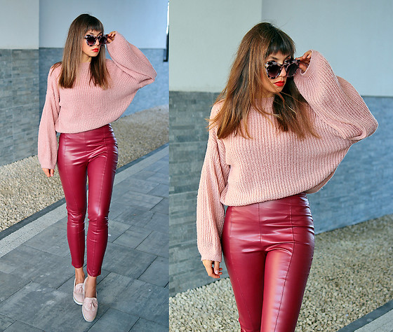 Jointy&Croissanty © - Femmeluxefinery Pants - Burgundy and pastel pink