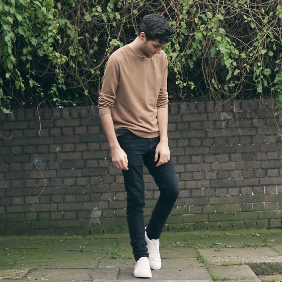 Andrew P - Topman Jeans, H&M Jumper, Pull&Bear Trainers - Autumnal Sweaters