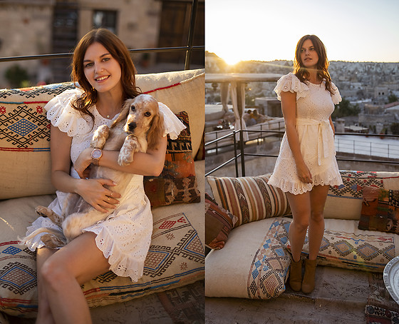 Viktoriya Sener - Chic Wish Dress - LACE DRESS AND NEW PUPPY