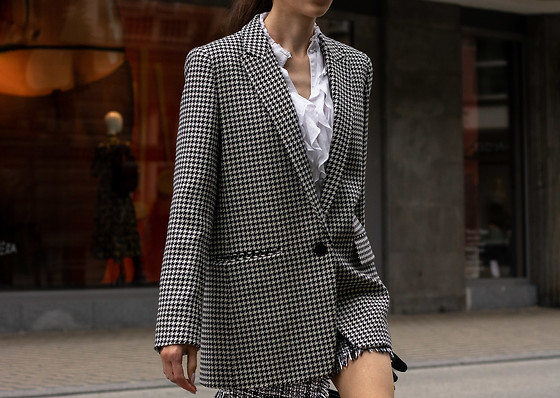 Veronika Lipar - Sandro Houndstooth Pattern Blazer, Plaid Tweed Mini Skirt, White Ruffled Blouse - Houndstooth skirt suit