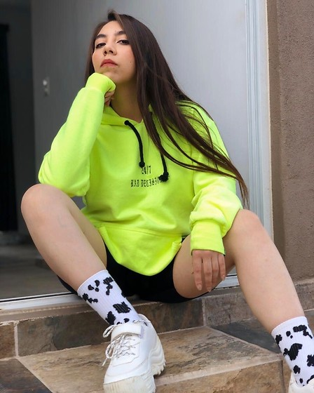 Karen Cardiel - Must Concept Store Neon Yellow Hoodie, Must Concept Store Black Biker Shorts, Bershka Cow Print Socks, Pull & Bear White Plataform Sneakers - 24/7 BAD DECISIONS 🐄