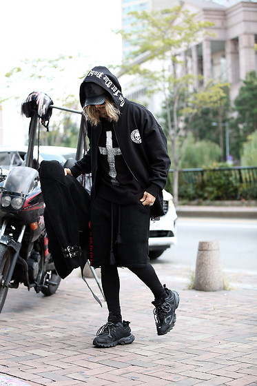 INWON LEE - Byther Custom Cross Hand Painted Knit Sweater, Byther Skull Logo Zip Up Hoodie, Byther Shorts - Black Wall White Cross