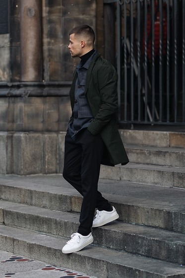 Kevin Elezaj - Sandro Sneakers, Allsaints Pants, A.P.C. Shirt, Samsoe Jacket - Walk it
