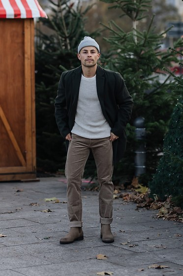 Kevin Elezaj - Zara Boots, Gap Pants, Scotch & Soda Sweater, Topman Coat, Zara Beanie - Tones