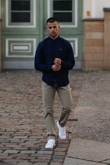 Kevin Elezaj - Adidas Sneakers, Dockers Pants, Dockers Shirt - Simple