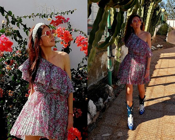 Joanna L - Giambattista Valli / H&M Frill Dress, Primark Pearl Headband - Giambattista Valli dress / cowboy boots