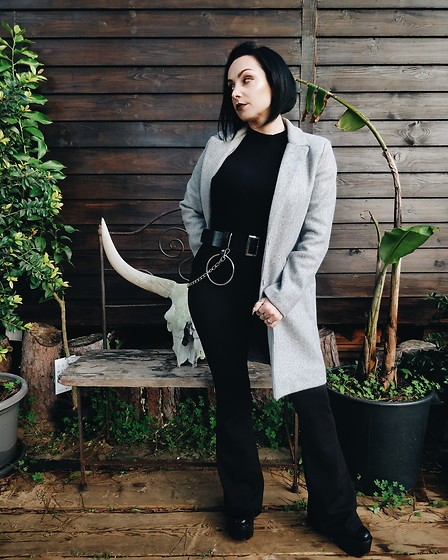 Priska Gomez - Local Store Long Grey Coat, H&M Black Knitted Long Sleeve, Local Store Black Flare Pants, Ebay Chain Belt, Nasty Gal Black Platform Boots - Graveyard Shift