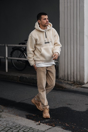 Kevin Elezaj - Timberland Sneakers, A Day's March Pants, Timberland Sweater - Beige