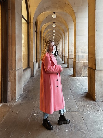 Bec Oakes - Wool Coat, Straight Leg Jeans, Lug Sole Boots - The Pink Coat
