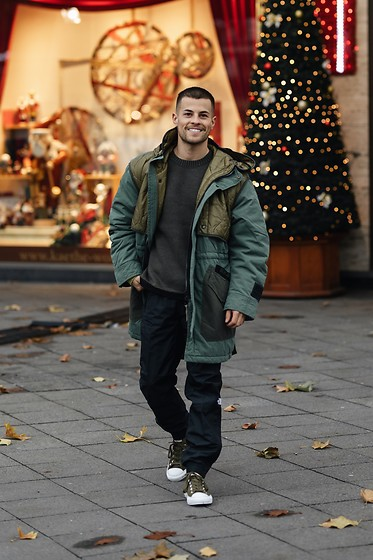 Kevin Elezaj - Converse Sneakers, The North Face Pants, Diesel Sweater, Diesel Jacket - Green
