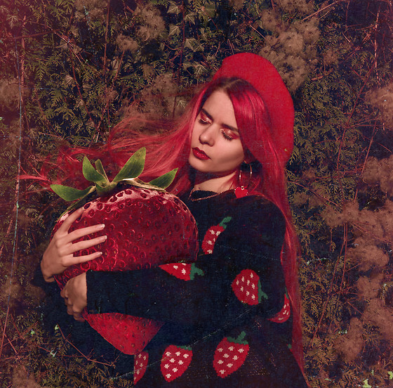 Marion Lemos - My Youtube Channel, My Instagram - Strawberry Lady