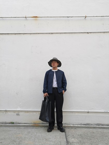 Curtis W - Kijima Takayuki Hats, Muji Jacket, Paul Smith Pants, Eytys Shoes, Hender Scheme Tote - 19/01/2020 :)