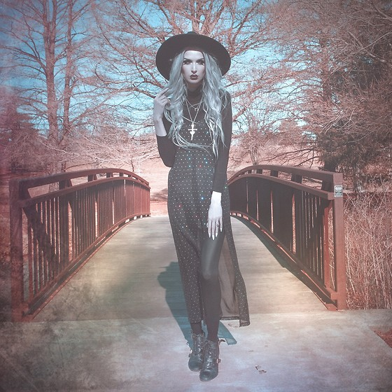 Jadethelibra - Motel Batis Maxi Dress, Regal Rose Necklace, Killstar Witch Brim Hat, American Apparel Leggings, Steve Madden Boots - Witchy Adventures