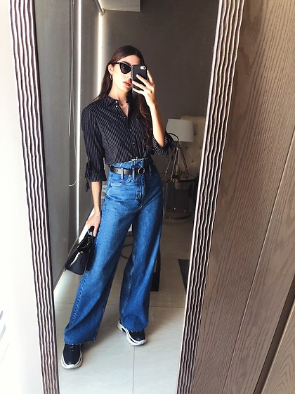 Mariana Garza - Bimba Y Lola Purse, Stradivarius Flared Jeans, Stradivarius Shoes - Love a good flare