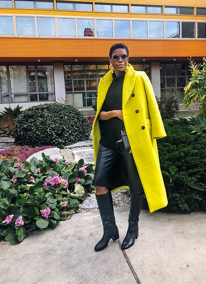 PAMELA - Topshop Yellow Wool Coat, Via Spiga Black Knee High Boots, Marc By Jacobs Retro Sunglasses, Zara Black Leather Bermuda Shorts - Leather Bermuda Shorts