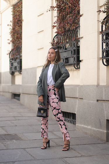 Claudia Villanueva - Zara Blazer, Bershka T Shirt, Zara Pants, Shein Bag, Missguided Sandals - Spring Pants