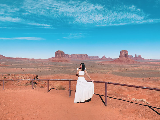Cassey Cakes -  - Monument Valley