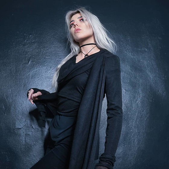 Anne-Cécile Van Doren - Anne Cécile Van Doren Hanforged Crescent Moon Pendant, Yggdrazil Long Draped Cardigan, Rick Owens Draped Cardigan - All black everything