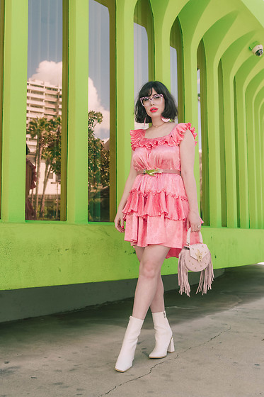 Amy Roiland - Salar Bag, Nasty Gal Boots, Manoush Dress - End of the world?