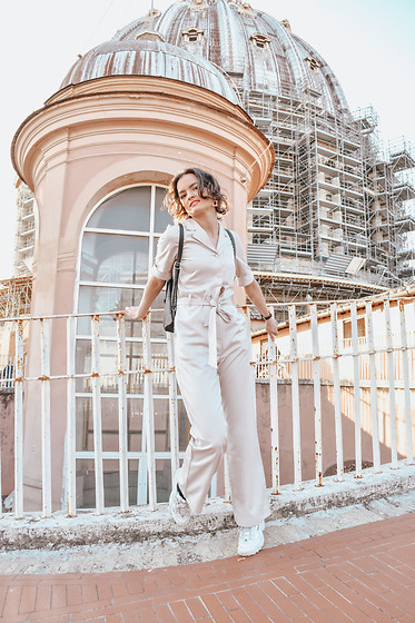 Josefin T - Monki Jumpsuit - Vatican/st peters cathedral