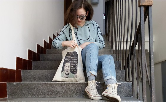 Hypersensitive M. - Thrifted Artistic Sweatshirt, Thrifted Chuck Taylors, Thrifted Patchwork Jeans, My Bf's Sunnies, My Fav Literary Café's Merch Bukowski Tote Bag - Vodka
