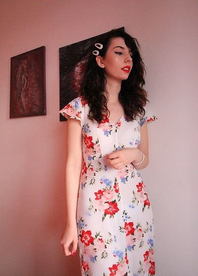 Jelena -  - About florals and spring