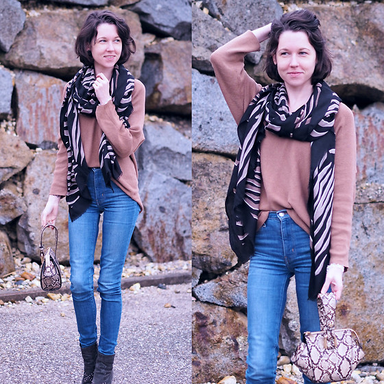 Claire H - H&M Scarf, H&M Cashmere Knit, Levi's® High Waist Jeans, Mango Handle Bag - Wild thing