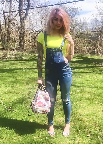 Emily Perkovich - Shein Fluorescent Yellow Off Shoulder Crop Top, Forever 21 Denim Distressed Overalls, Juicy Couture Floral Mini Backpack, H&M Stripe Peep Toe Flat - 04192020