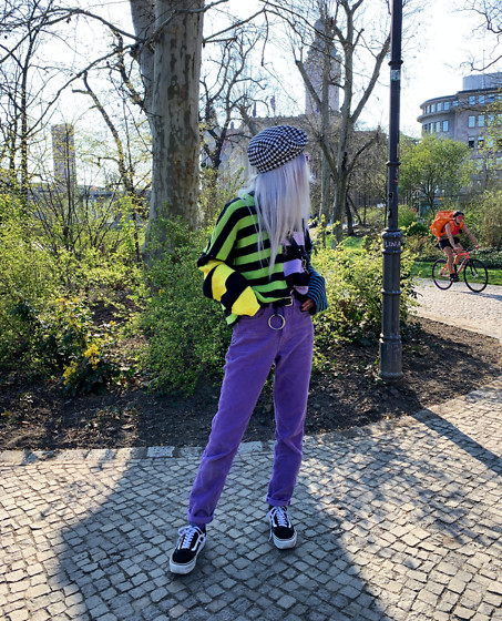Kimi Peri - The Ragged Priest Modify Knit Sweater, Vans Platform, Vii & Co. Ring Belt, Na Kd Dogtooth Beret, Na Kd Chained Waist Bag, The Ragged Priest Purple Corduroy Groove Pant - The Colors Of Spring